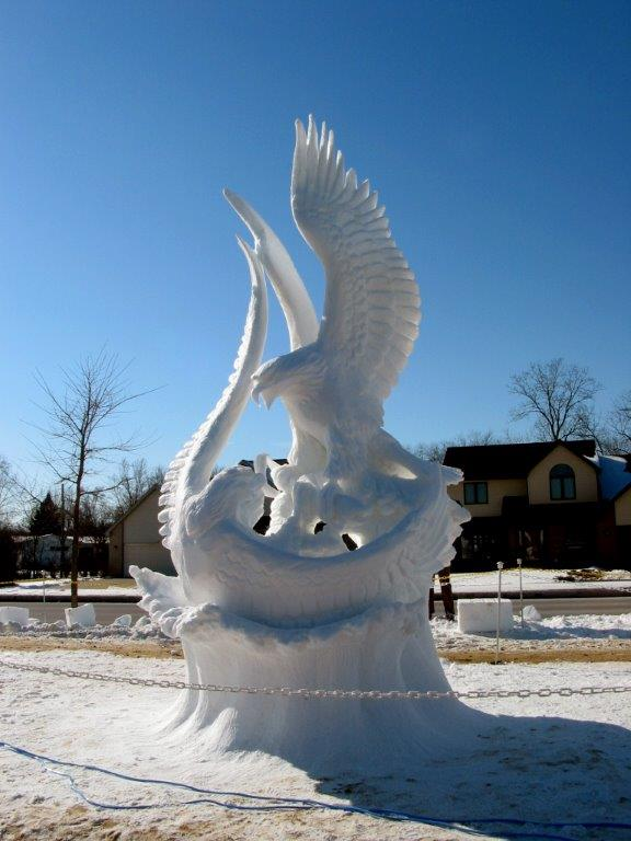 fighting eagles snow sculpt 034